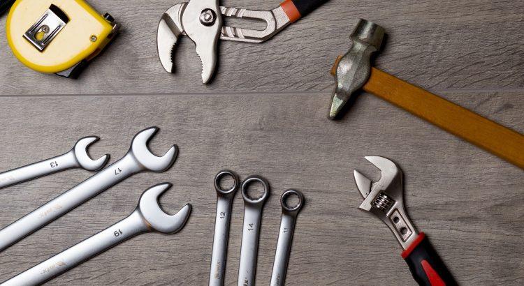 Werkzeuge bilden einen Kreis